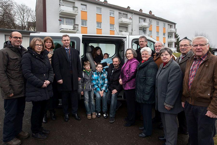 Übergabe Fahrzeug Familie Karthein, Rennerod 20.12.2013
