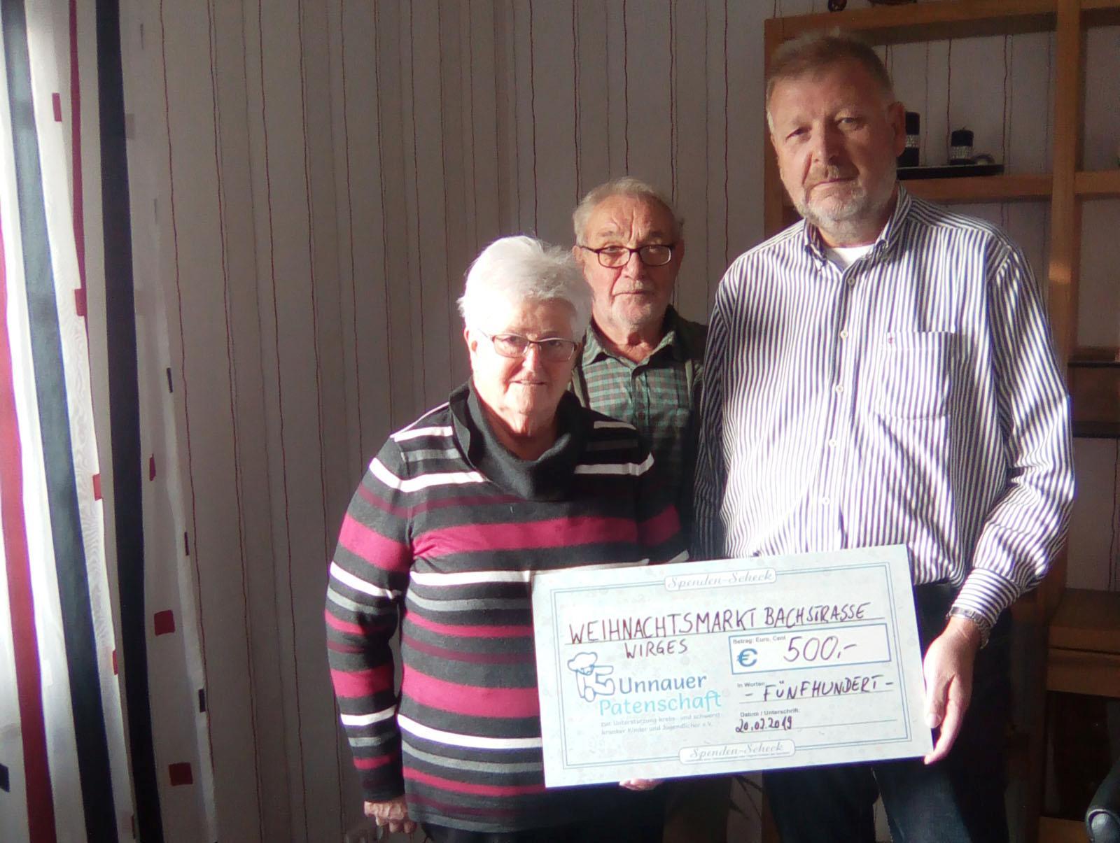 Bild der Spendenübergabe v.l. Peter Schmidt, Ursula Eller und Manfred Franz